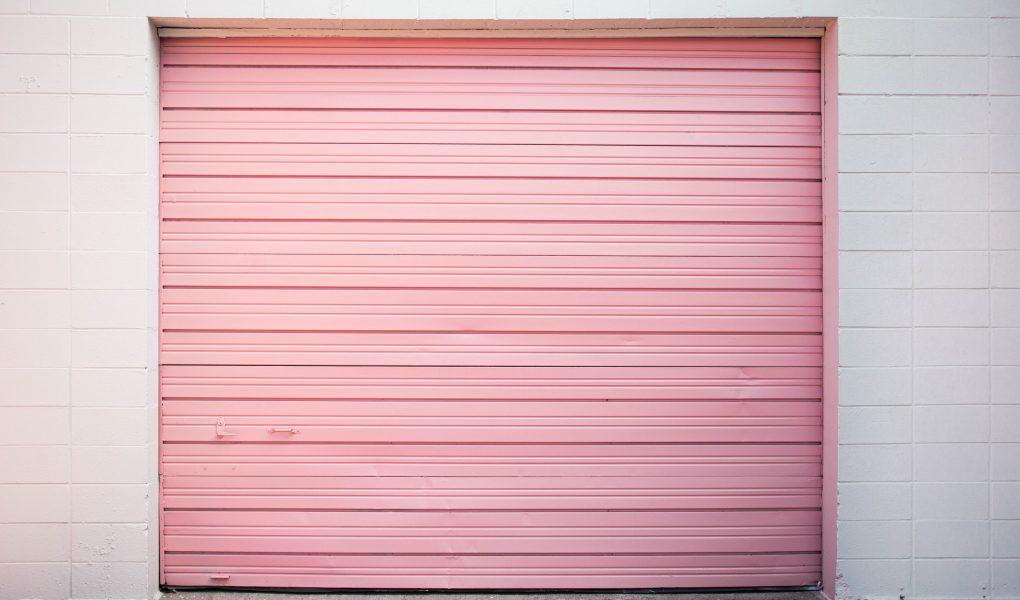rózsaszín garázskapu